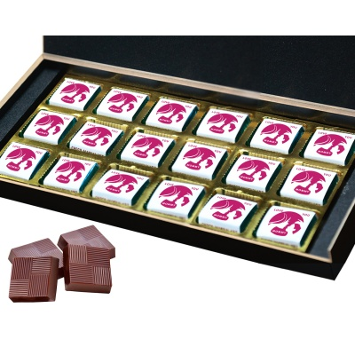 Personalized Mothers Day with Photograph Name and Message chocolate box  18 Pcs  2 Mothes 18B