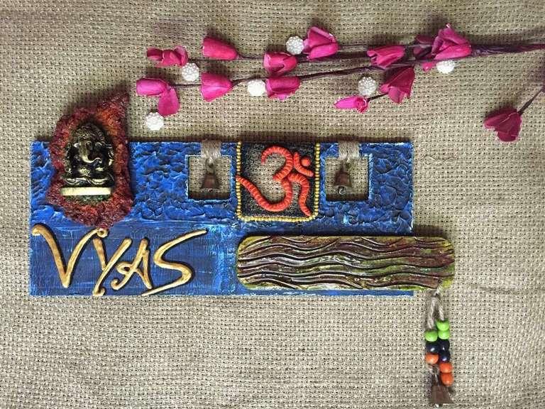 wood-pebble-ganesha-beautiful-handmade-nameplate