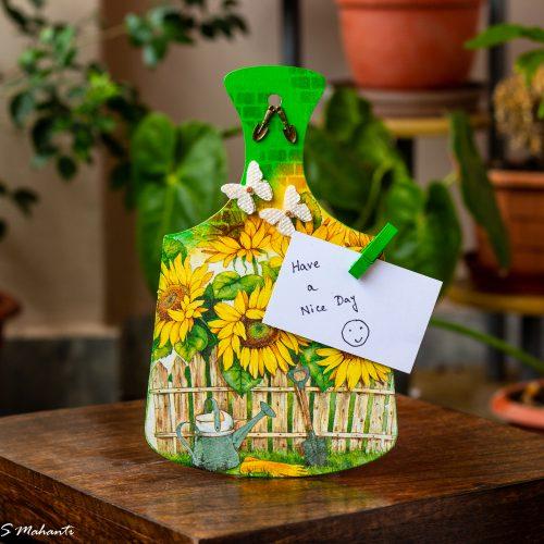 Sunflower themed chopping board 1