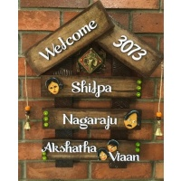name plate with faces for family house